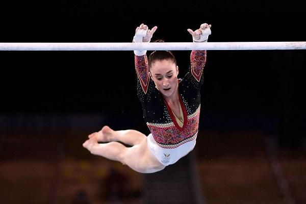 比利時德爾瓦埃爾(Nina Derwael)女子高低槓金牌